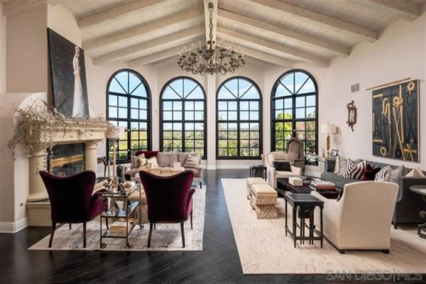 Luxury homes Welcome to this single level estate