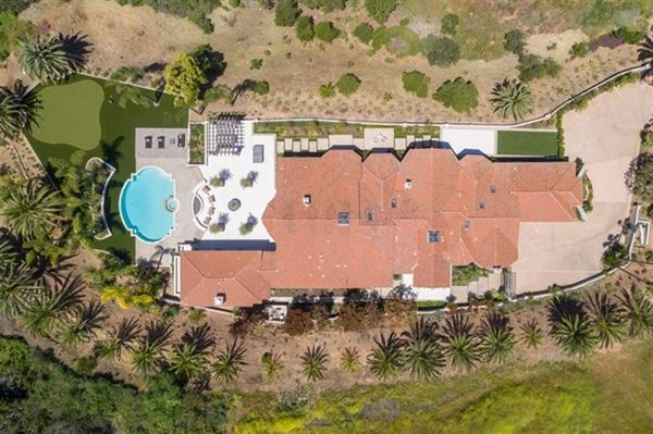 Welcome to this single level estate luxury properties