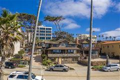 most iconic location in La Jolla mansions