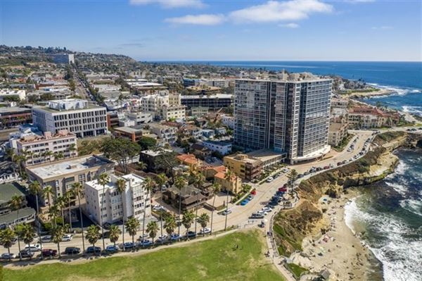 most iconic location in La Jolla luxury homes