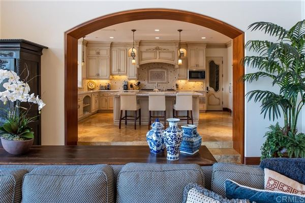 Luxury homes sophisticated home in the Bridges in Rancho Santa Fe