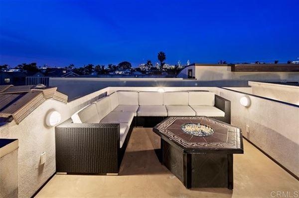 Luxury residence In the heart of The Village luxury properties