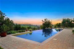 Luxury homes in san diego tropical oasis