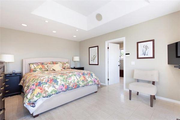 Luxury properties gorgeous home in La Playa