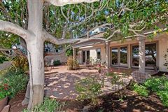Luxury homes gorgeous home in La Playa
