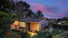 Luxury real estate A BLEND OF MID CENTURY AND CONTEMPORARY