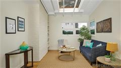 Luxury homes A BLEND OF MID CENTURY AND CONTEMPORARY