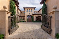 Mansions meticulously designed estate in Rancho Pacifica