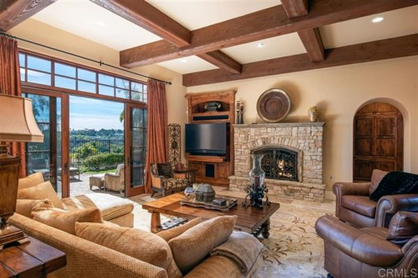 Luxury homes meticulously designed estate in Rancho Pacifica