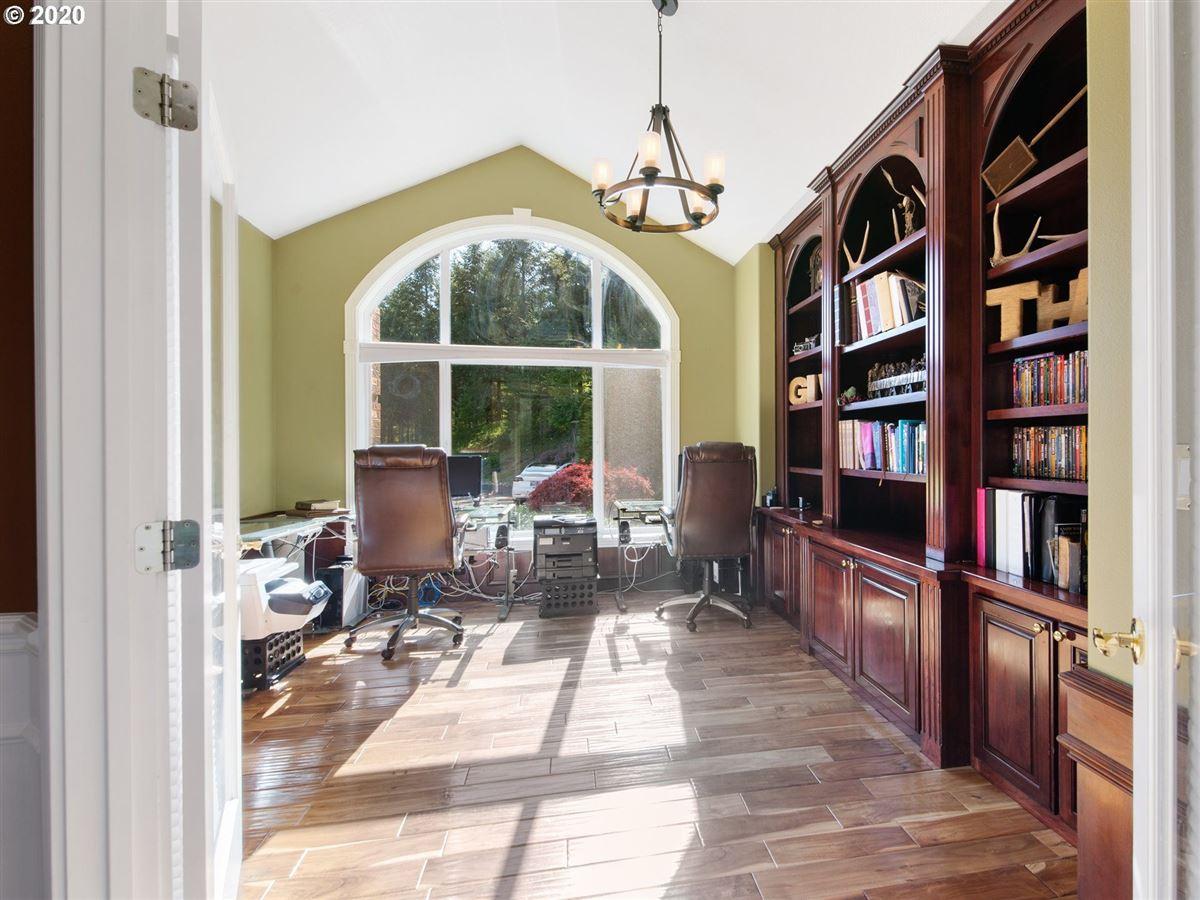 Luxury homes 20 Acre estate