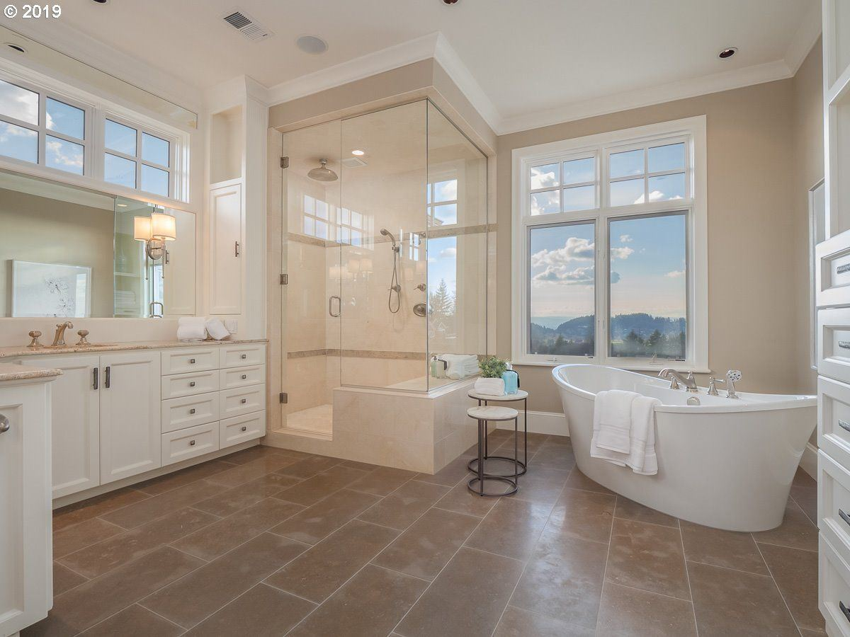 Cape Cod meets Lake Oswego luxury homes