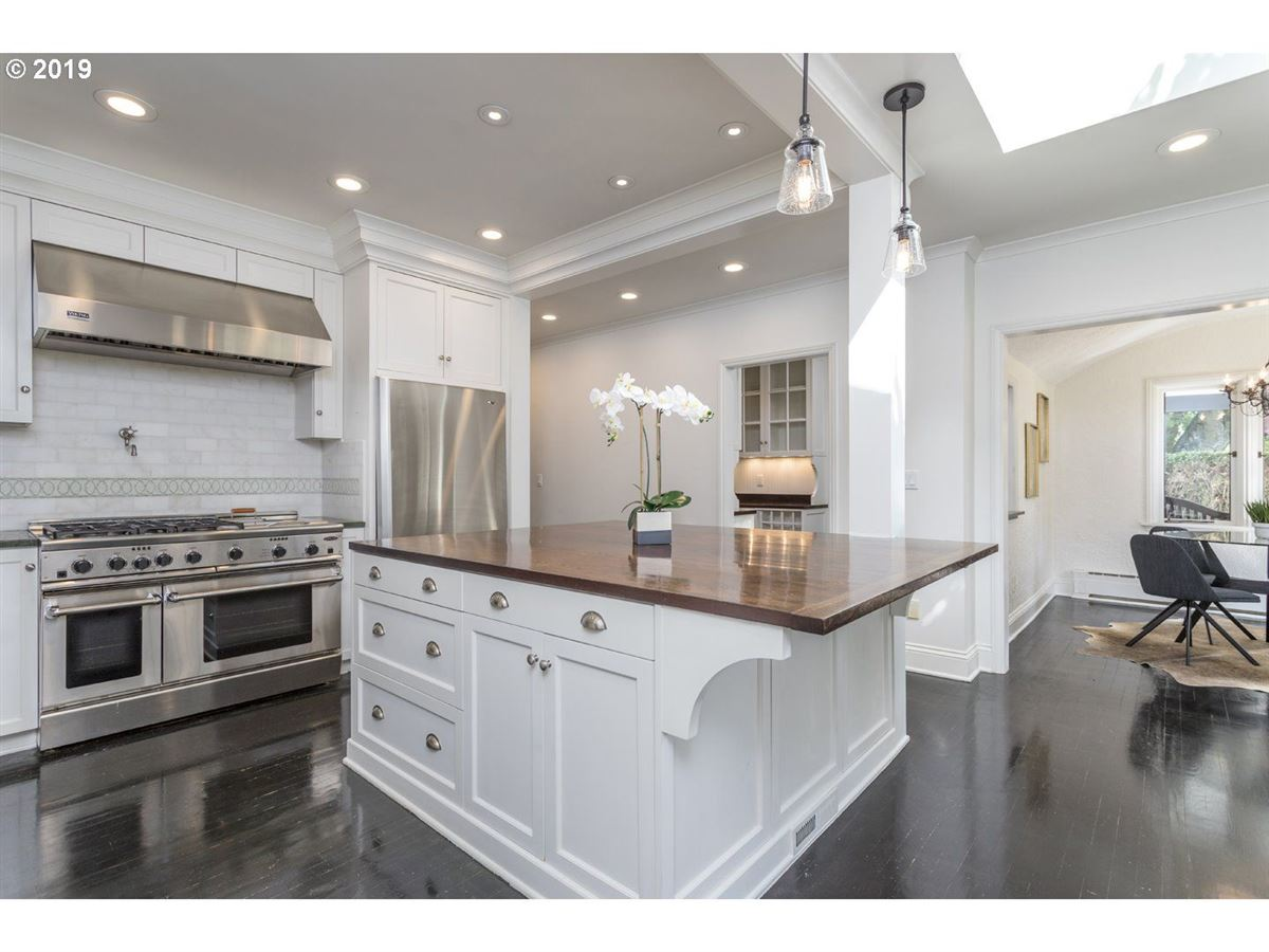 Coveted Kings Heights luxury real estate
