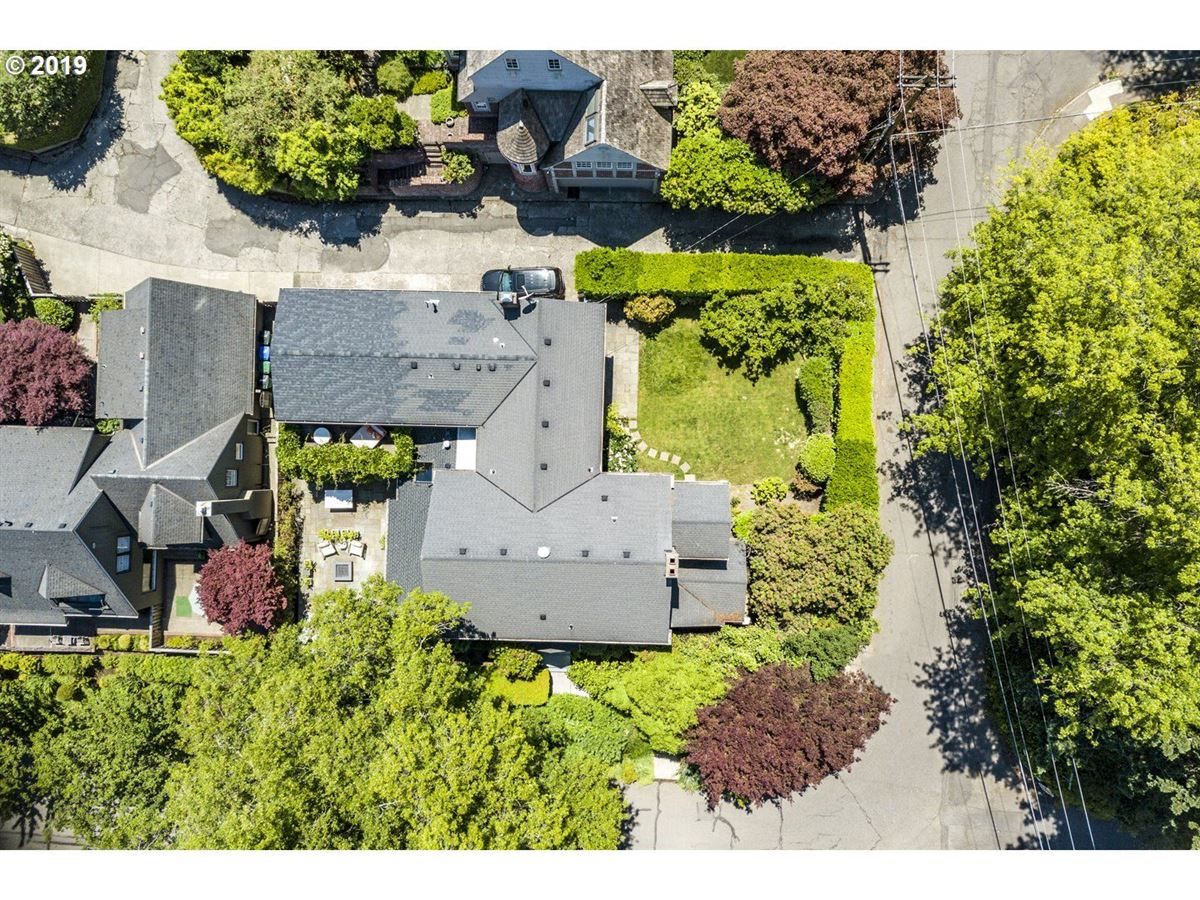 Luxury homes in Coveted Kings Heights