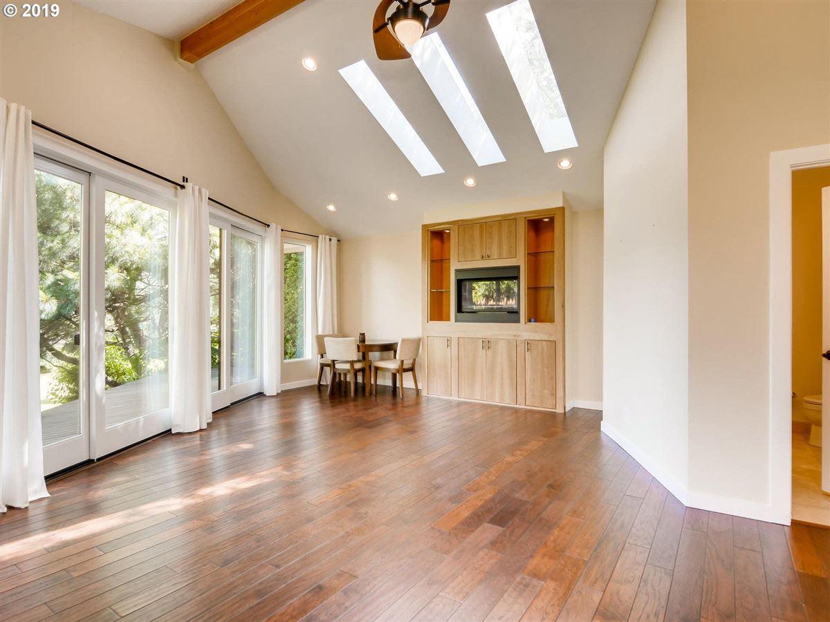 A beautiful riverfront property luxury homes