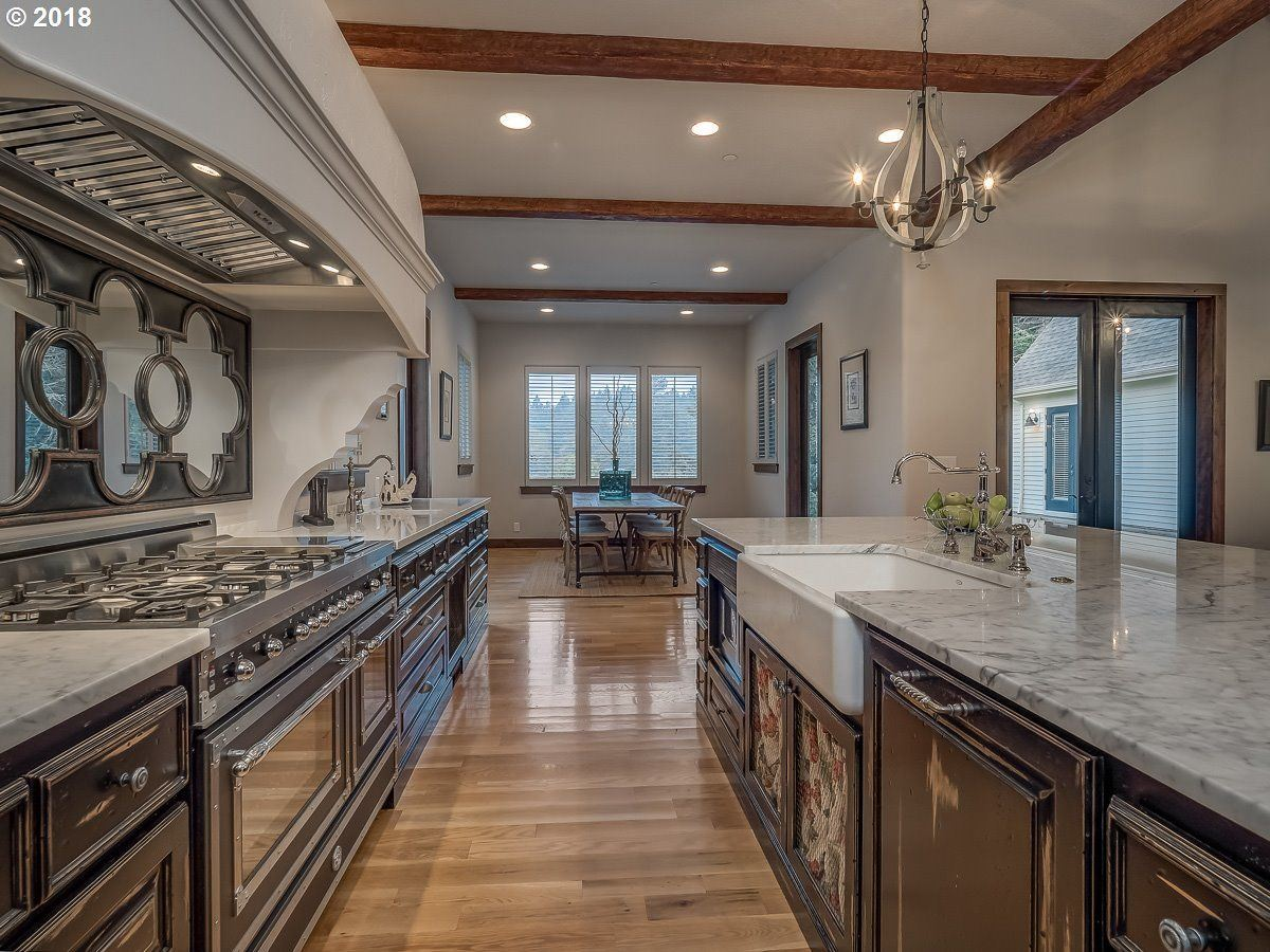Luxury real estate beautiful custom home in highly desirable Forest Highlands