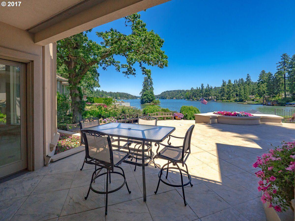 enjoy Main lake living at its finest mansions
