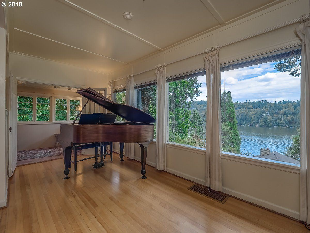 a gem in Lake Oswego luxury homes