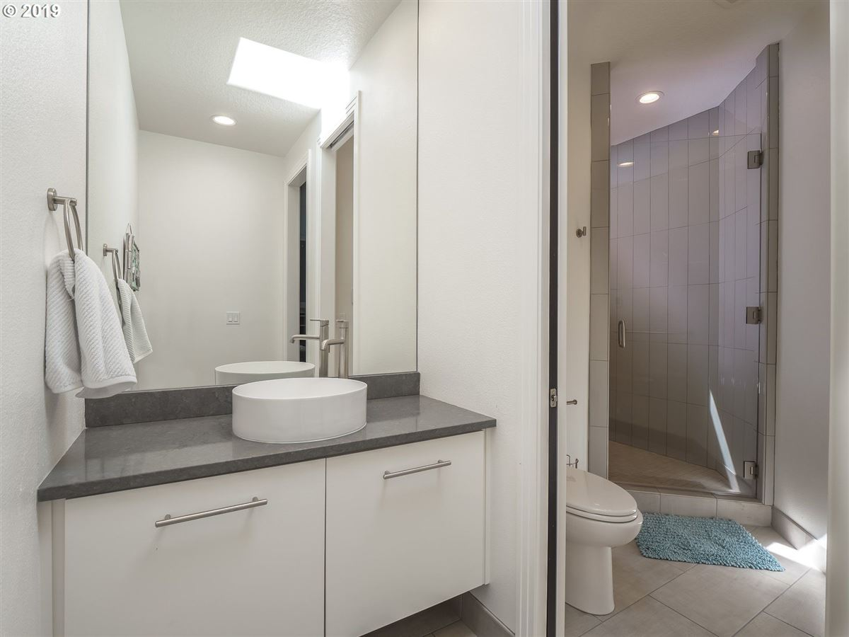 Luxury properties stunning renovation in the Northwest Heights Oregon