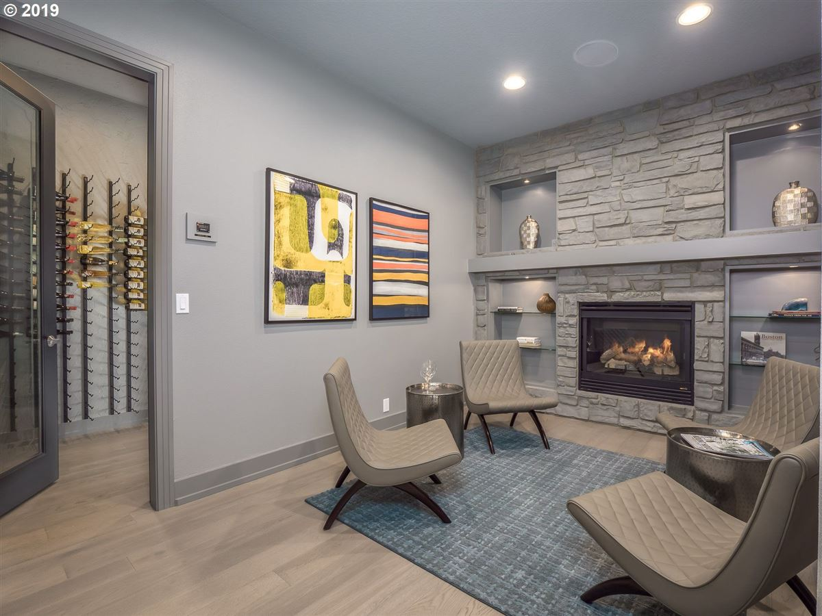 Luxury homes in stunning renovation in the Northwest Heights Oregon
