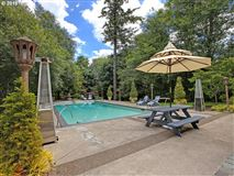 Luxury properties Private and gated home in portland