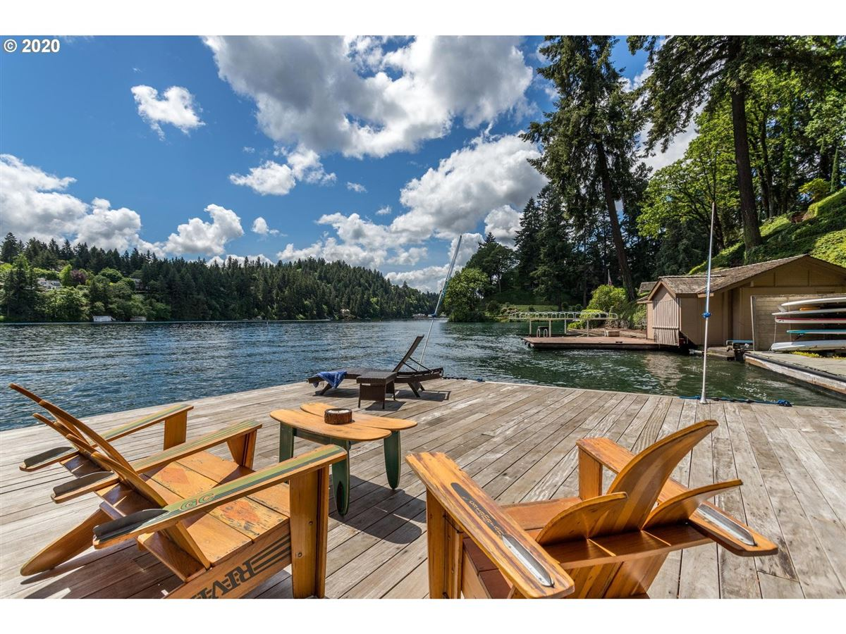 Luxury real estate Northwest contemporary meets luxurious lodge