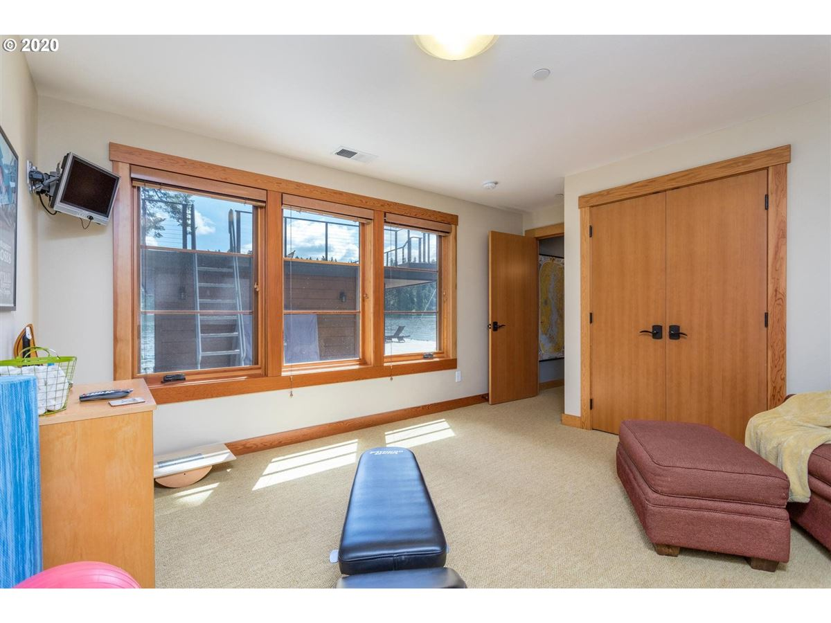 Northwest contemporary meets luxurious lodge luxury properties