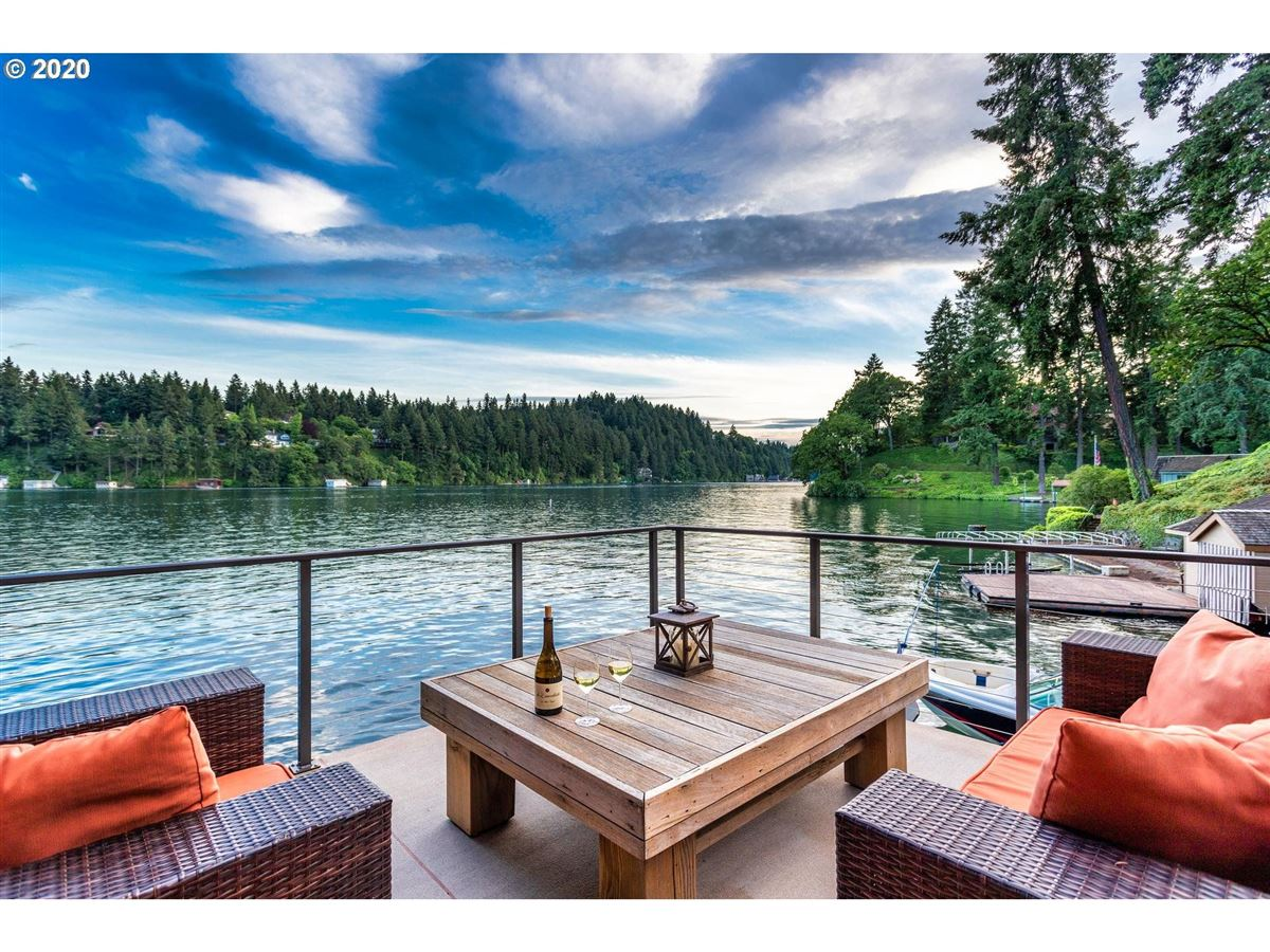 Northwest contemporary meets luxurious lodge mansions