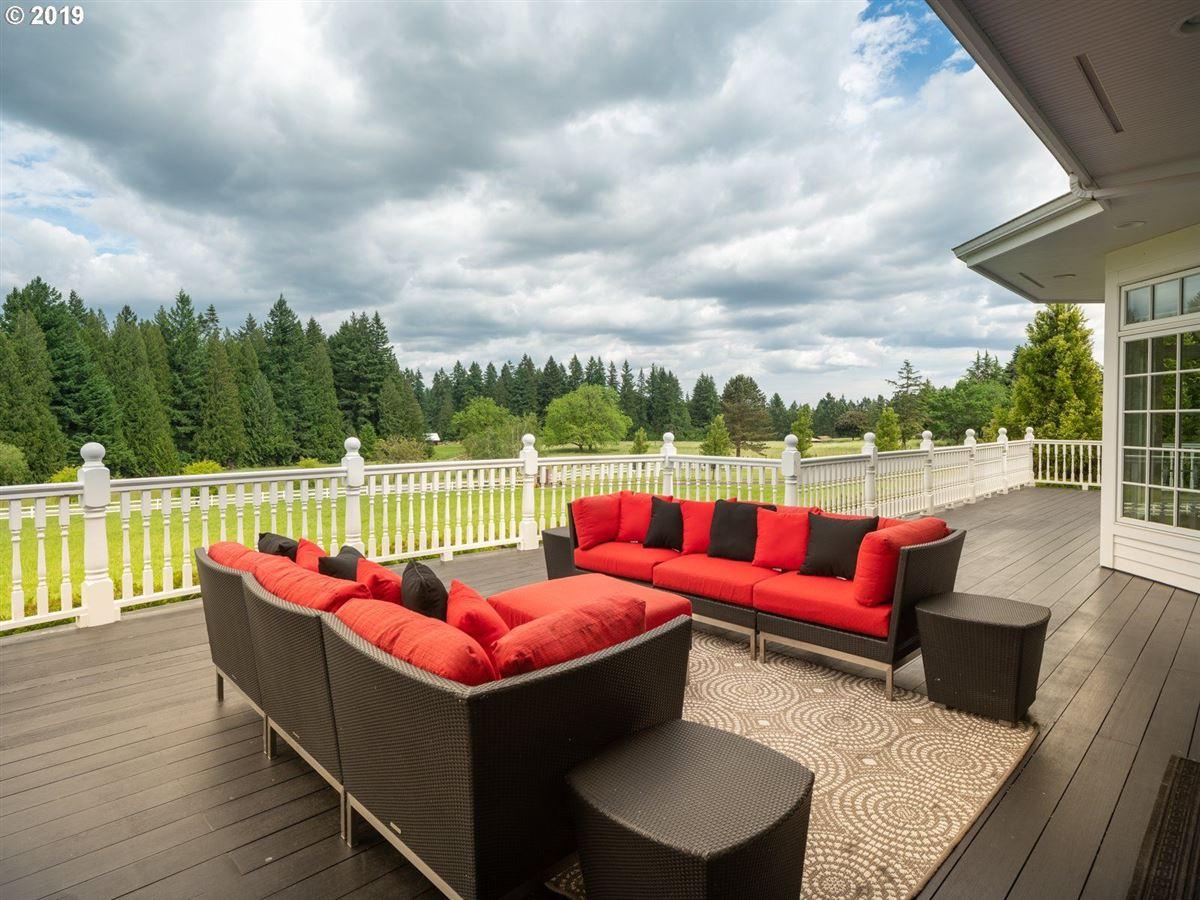 serene modern farmhouse luxury homes