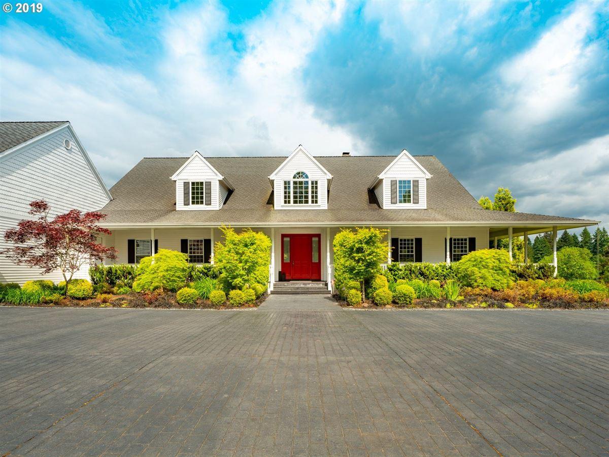 Mansions in serene modern farmhouse