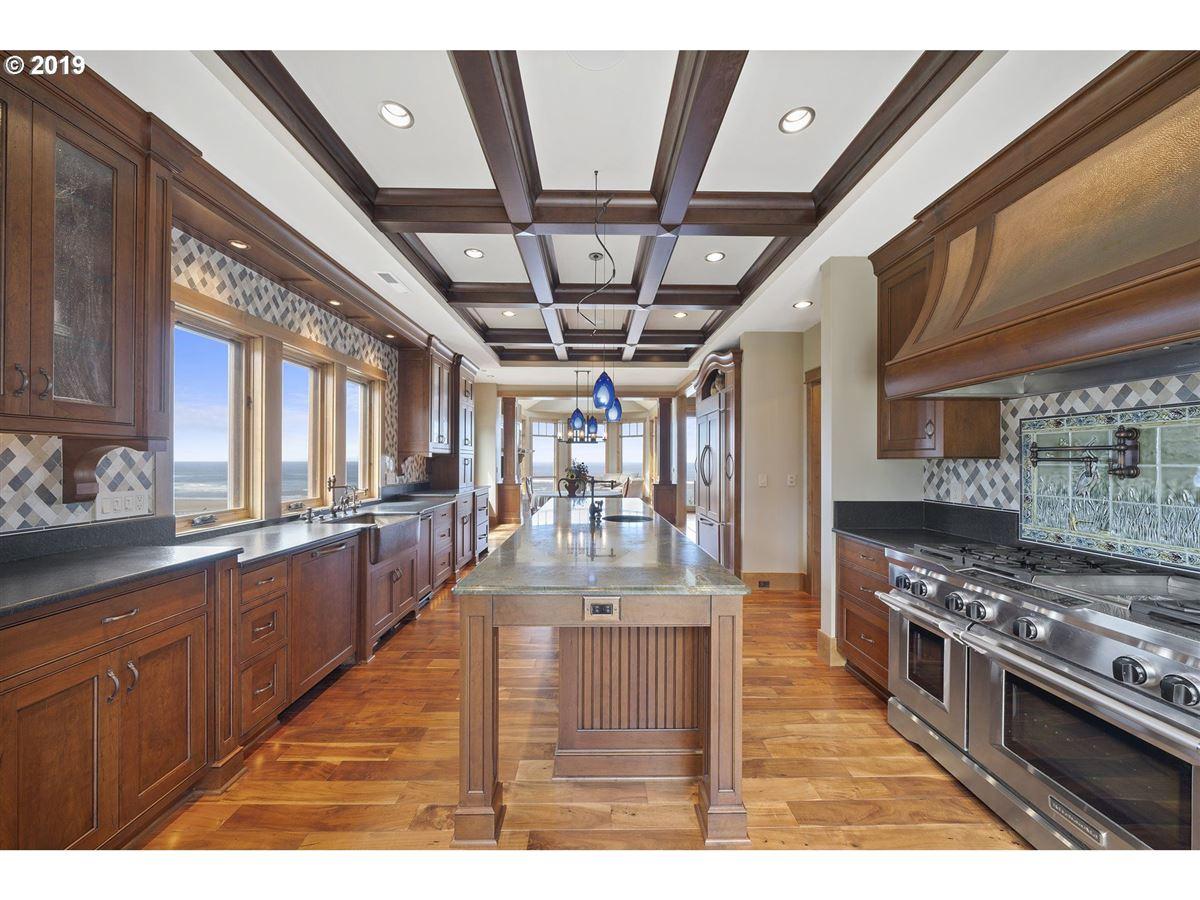 Luxury properties exquisitely built craftsman masterpiece