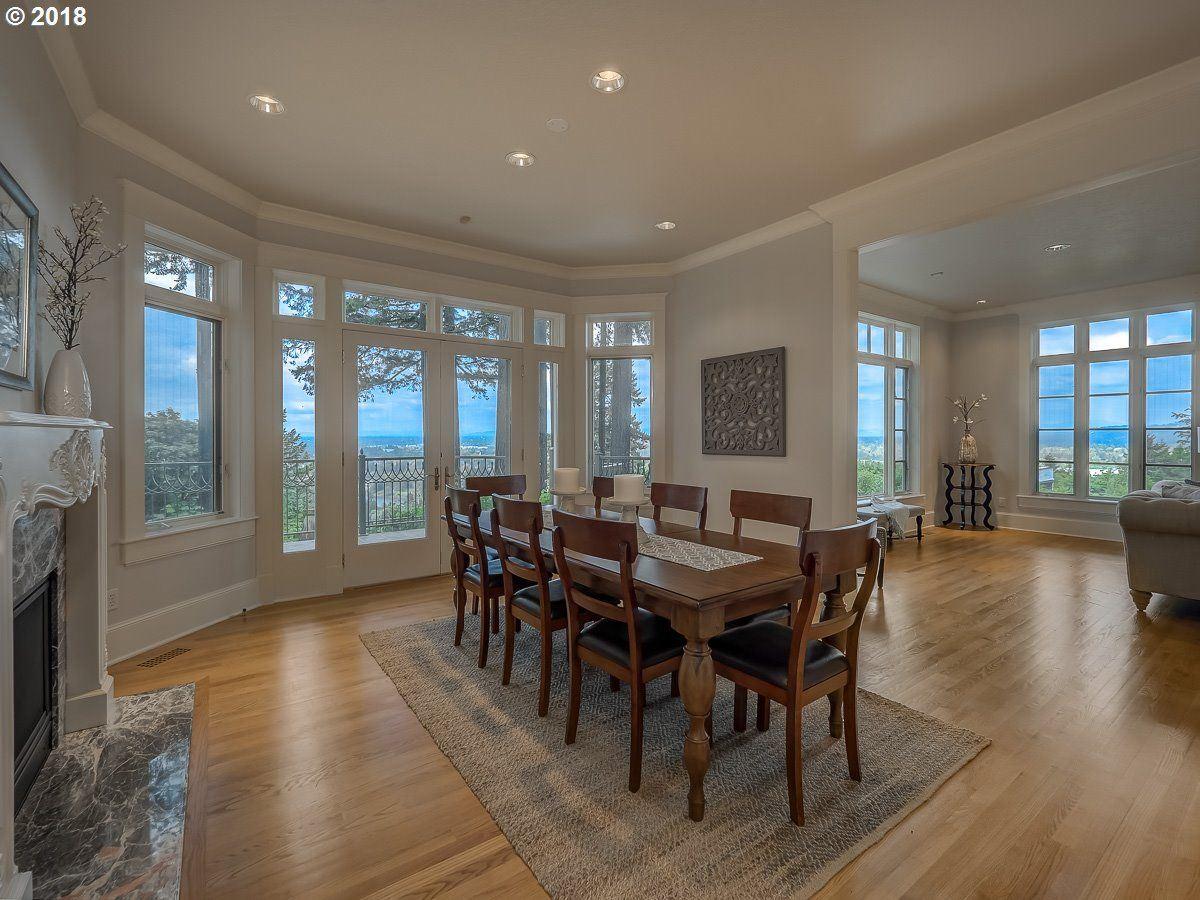 Luxury real estate a Serene private location in Portland