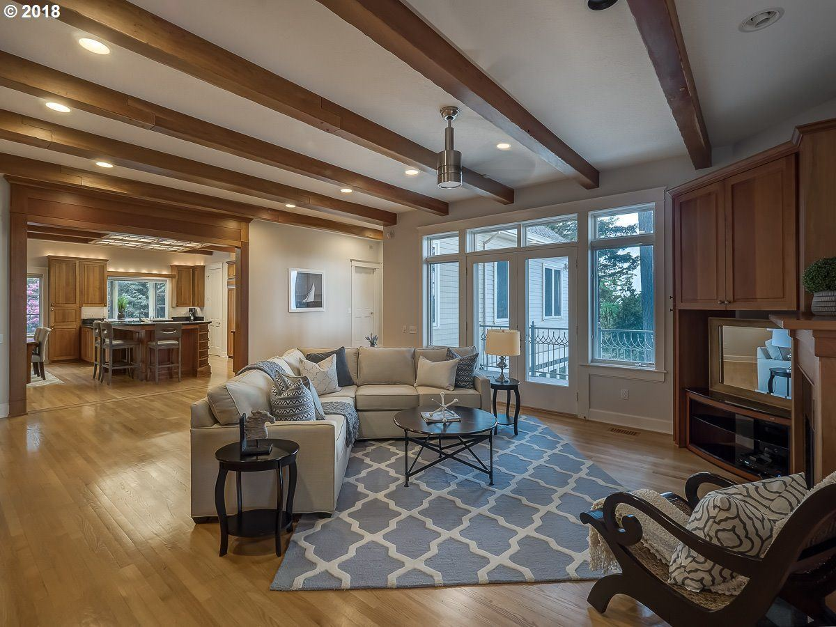 Luxury properties a Serene private location in Portland