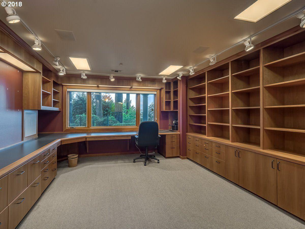 a Serene private location in Portland luxury real estate