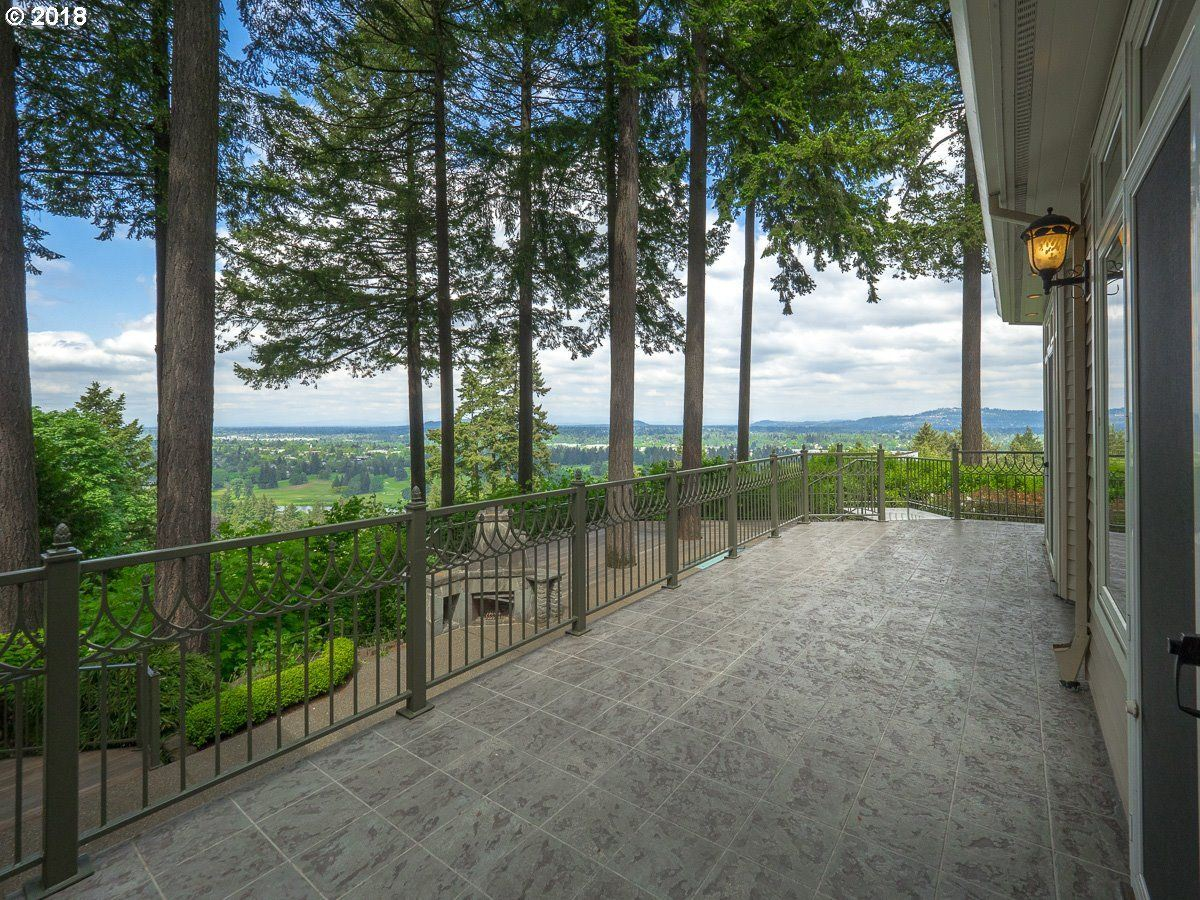 a Serene private location in Portland mansions