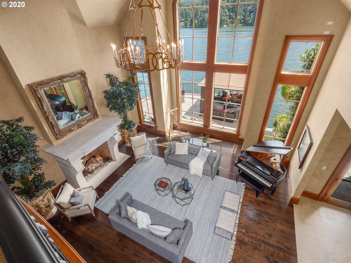 Luxury homes the Jewel of Lake Oswego