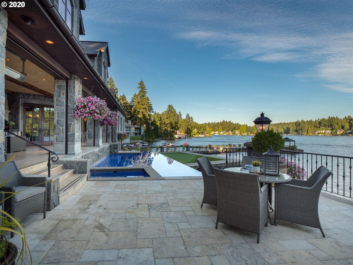 Mansions in the Jewel of Lake Oswego