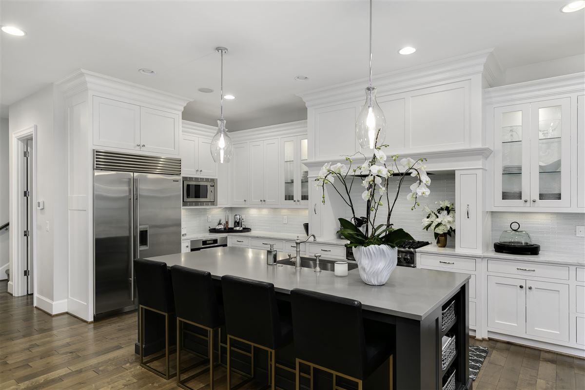 Impeccable custom estate exuding elegance & true luxury luxury properties
