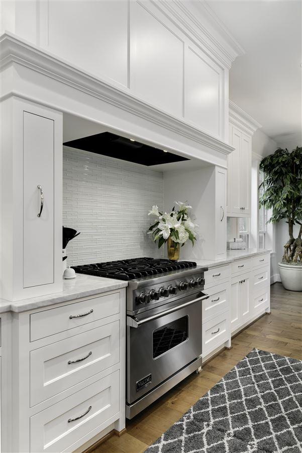 Impeccable custom estate exuding elegance & true luxury mansions