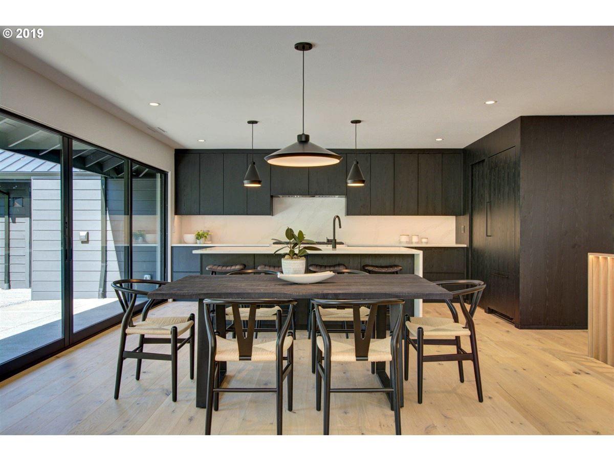 Luxury homes handsome modern home in lake oswego