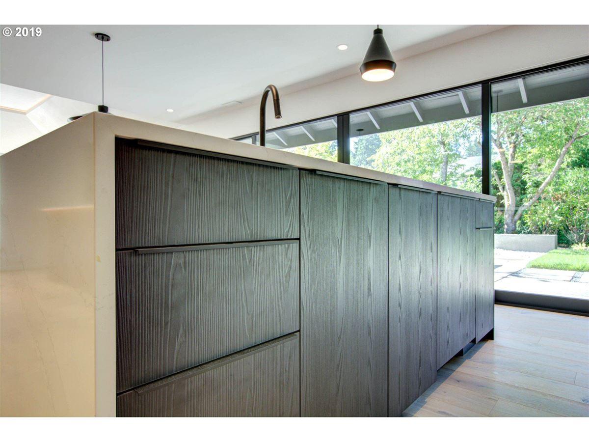 Luxury properties handsome modern home in lake oswego