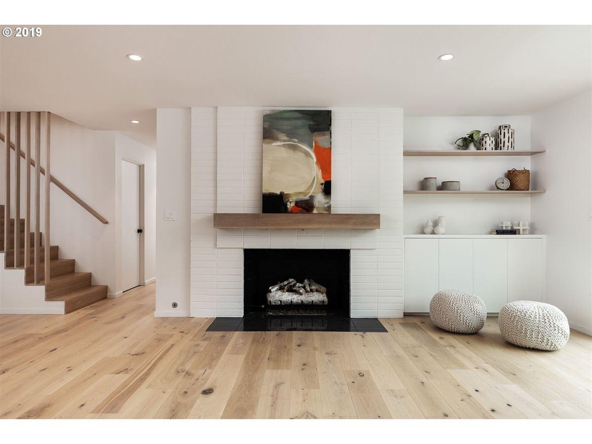 Luxury real estate handsome modern home in lake oswego