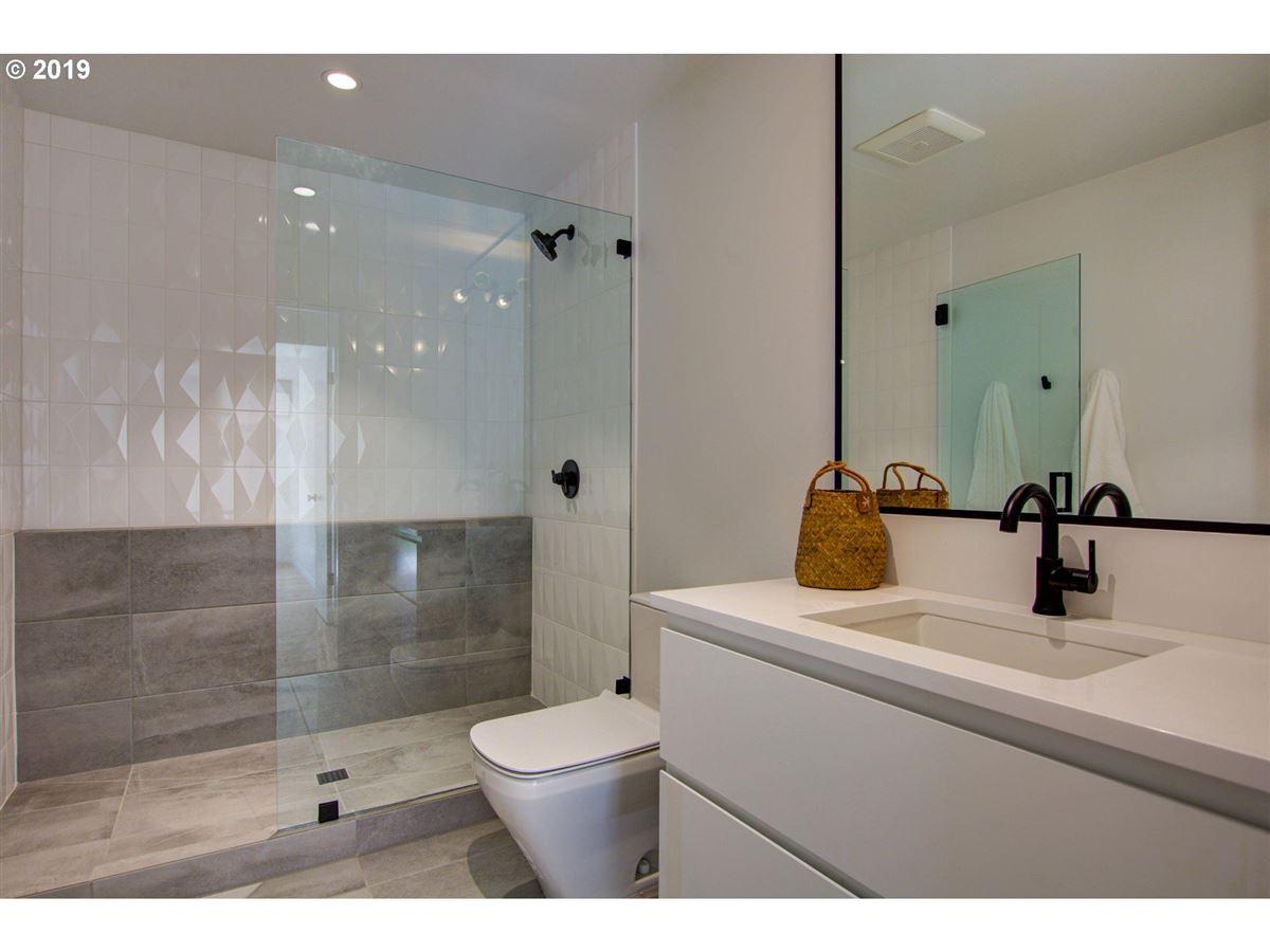 handsome modern home in lake oswego luxury properties
