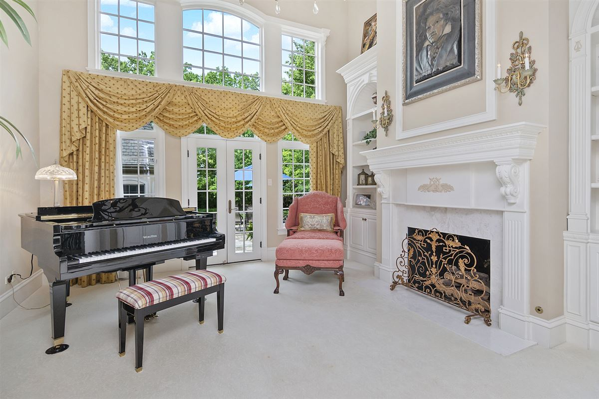 Magnificent custom built manor home mansions