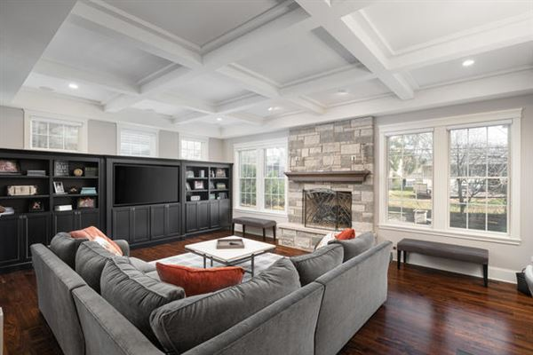 spectacular custom home in a gem of a location luxury homes