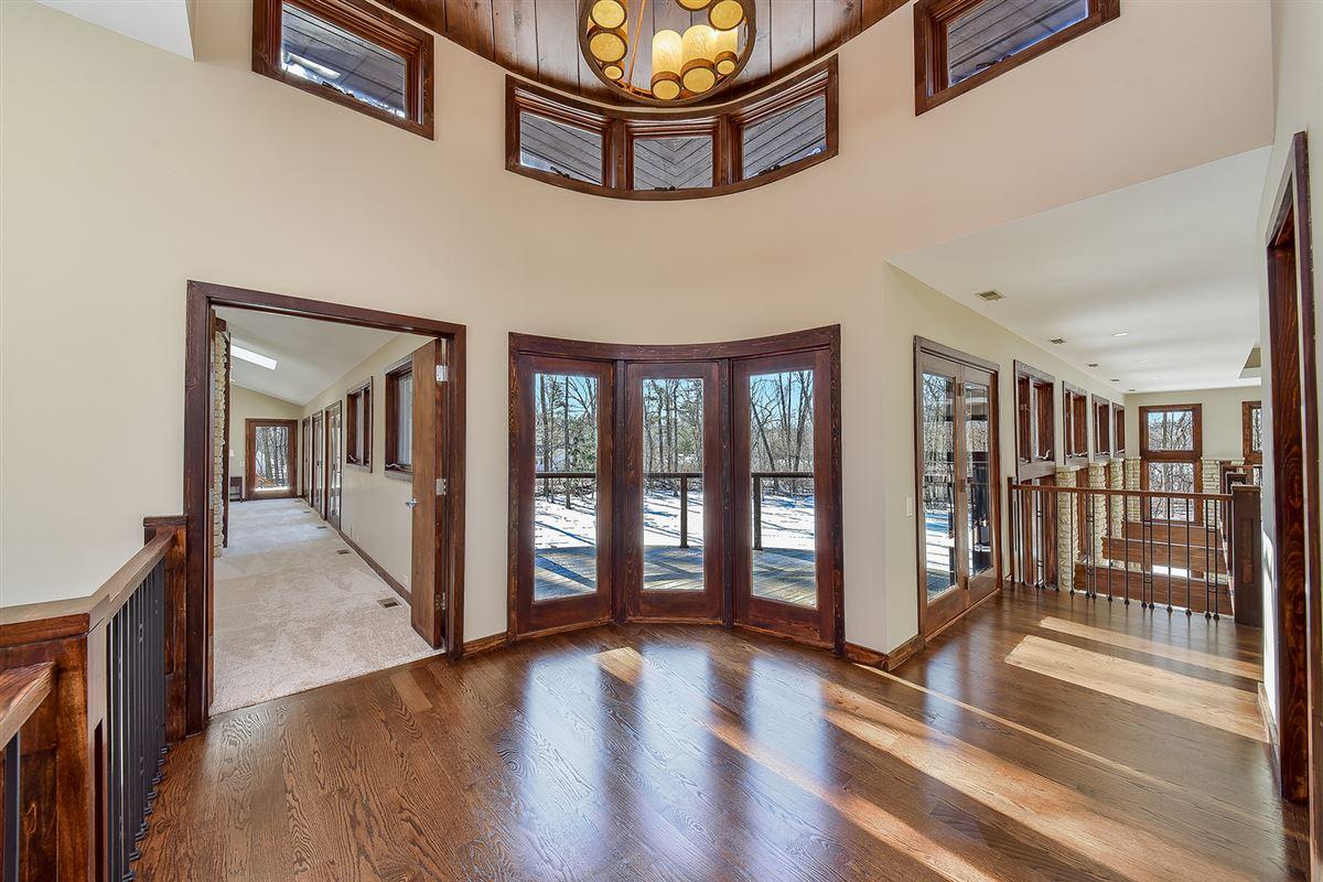 Luxury homes neo-prairie style home
