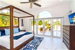 spectacular beachfront estate luxury properties