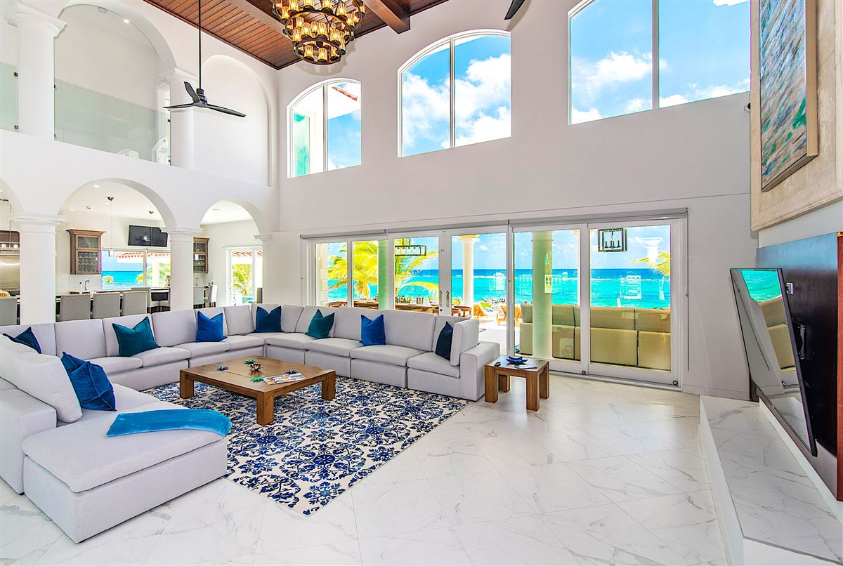 Mansions spectacular beachfront estate