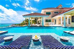 spectacular beachfront estate luxury homes