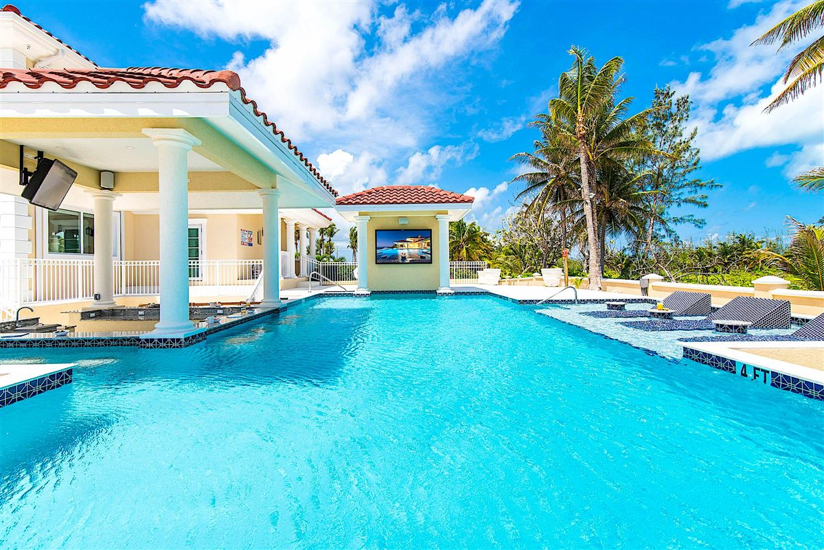 spectacular beachfront estate luxury properties