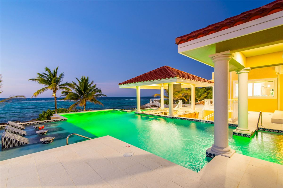 spectacular beachfront estate mansions